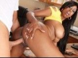 Slutty black chick gets nailed