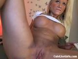 hot sexy blonde sucks on a red dildo(2).wmv