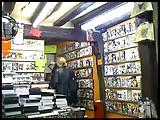 Sharon fait la pute au sex shop A75