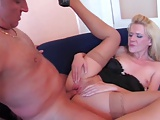 Blond MILF liks it hard