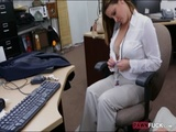 Lusty woman screwed for a plane ticket